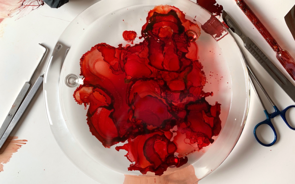 GLASS PLATE WITH BLOOD